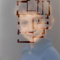 homeportrait, poliestere ritagliato su fotografia, cm. 80 x 60
